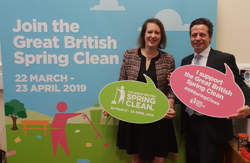 Nigel Huddleston MP and Victora Prentis MP supporting the Great British Spring Clean